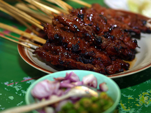 hawker centres and street food